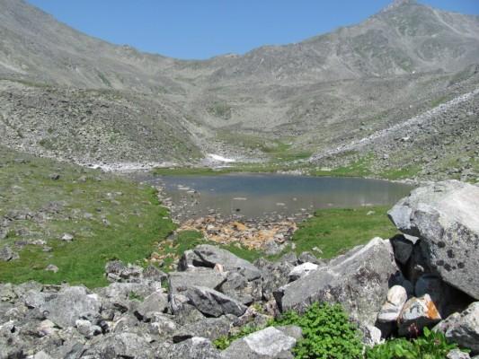 Хрустальное озеро в июле