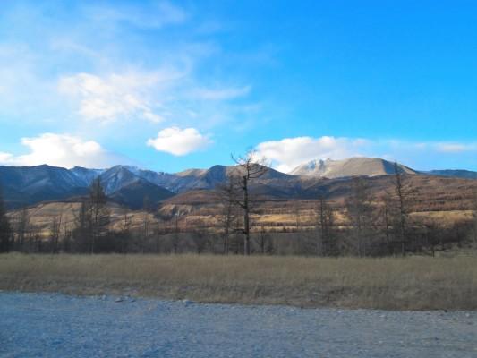 Дорога от подножия Мунку-Сардык до поселка Монды